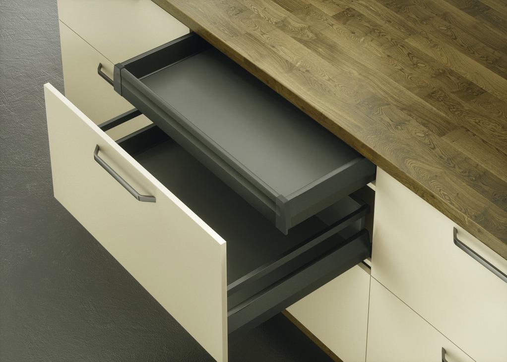 syst me de c t s de tiroir coulissant moovit garniture de tiroir l anglaise acier hauteur. Black Bedroom Furniture Sets. Home Design Ideas
